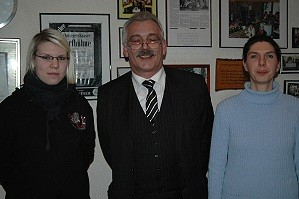 Wilhelm Priemeier zusammen mit den jüngsten SPD-Mitgliedern